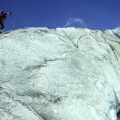 Alpinist op de Lötschengletscher, Wallis, Zwitserland